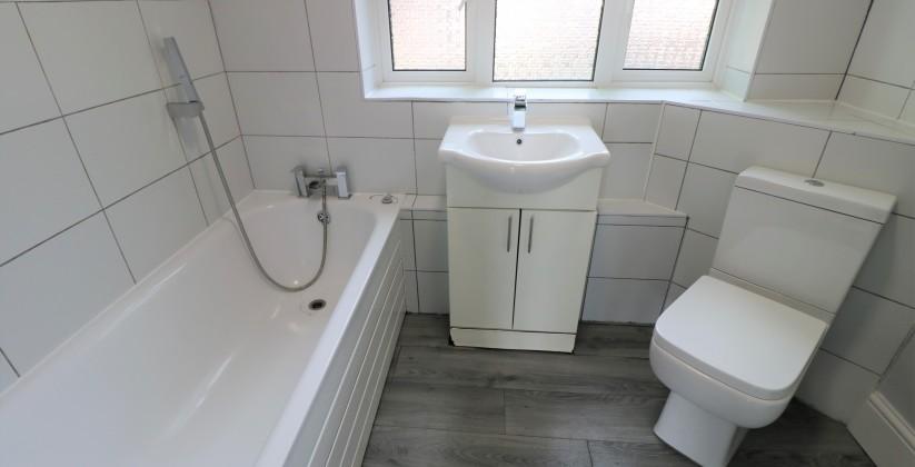 little gearies bathroom